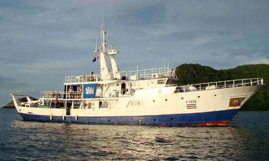 Boat Okeanos Agressor