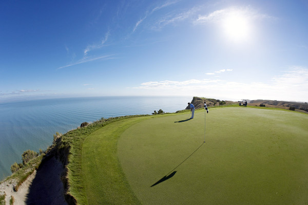 Cape Kidnappers Golf Course, Hawkes Bay, New Zealand.  Model Release #528.